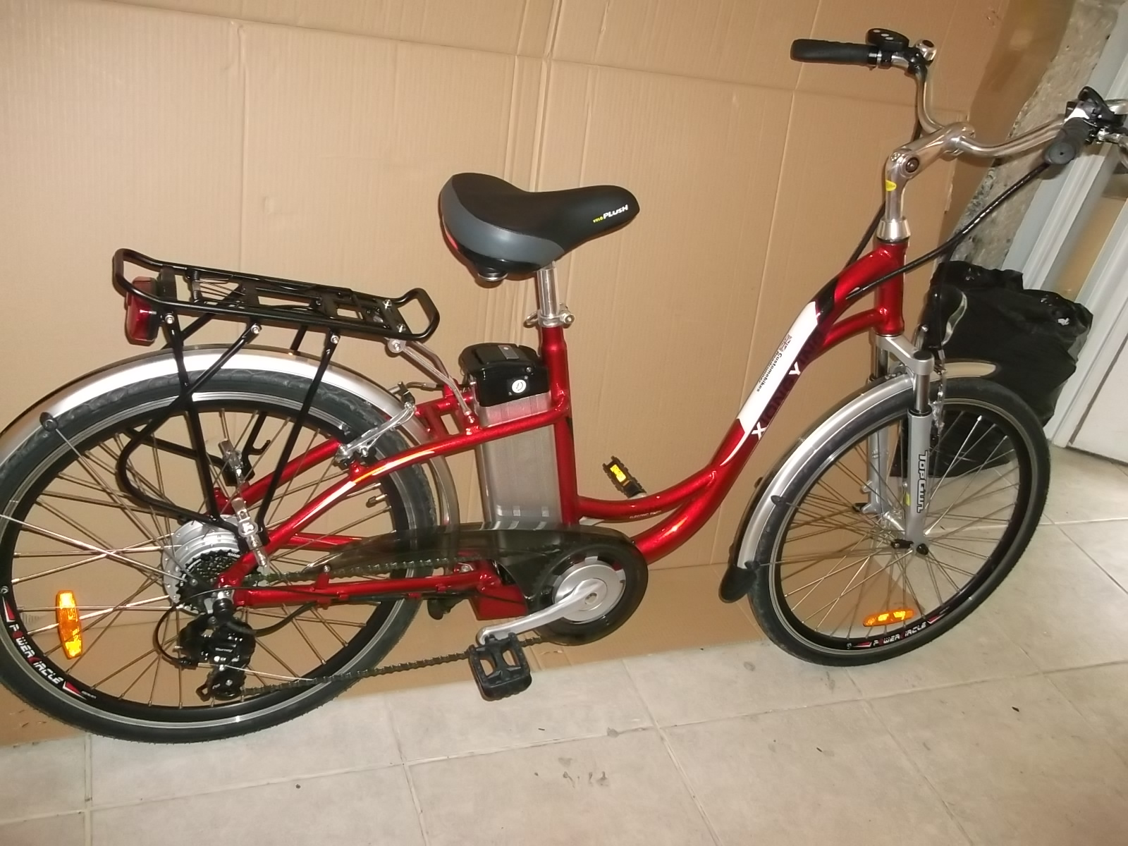dutch style electric bike custom ebikes. Black Bedroom Furniture Sets. Home Design Ideas